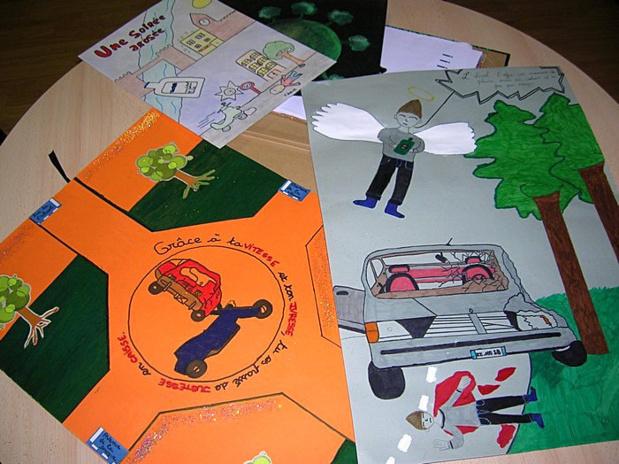 Une dizaine d'affiches a été présentée par les jeunes dans le cadre du concours. La désignation des lauréats ainsi que la remise des prix auront lieu le 6 mars prochain. (Photo : Yannis-Christophe Garcia)