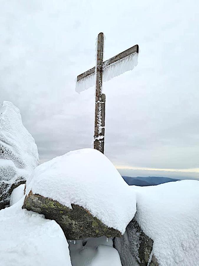 La photo du jour : dentelle sur la croix de la Vacca Morta