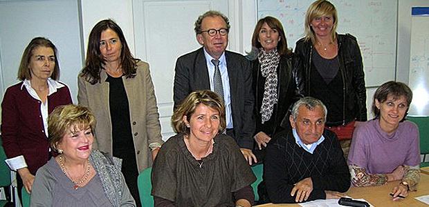"""Les membres de la Commission étaient réunis lundi soir au centre hospitalier de Castelluccio pour  le lancement de l'appel à projets 2013. Au centre, Catherine Riera, présidente de l'association la """"Marie Do"""". (Photo Yannis-Christophe Garcia)"""