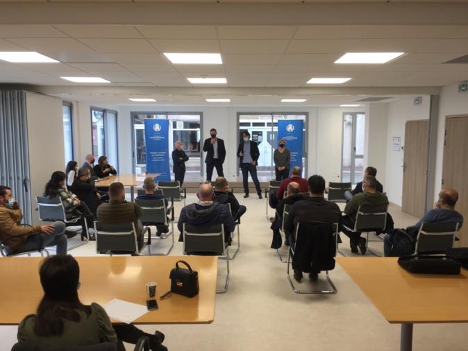 Louis Pozzo di Borgo, président de la CAB, Jean-Philippe Muracciole, directeur de l'AFPA et Nadine Nivaggioni, responsable de formation à l'AFPA, ont présenté aux agents le processus de formation.