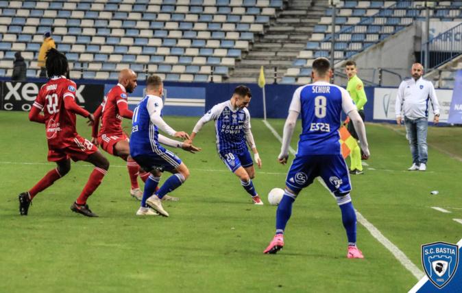 Le Sporting s'impose en fin de match à Boulogne