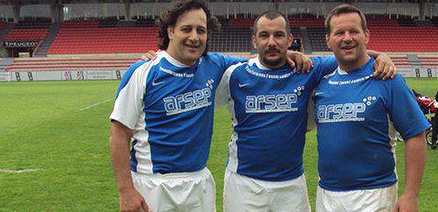 Jean-Mathieu Pierantoni entre deux piliers de légende : l'Argentin Omar Hasan (à gauche) et Christian Califano