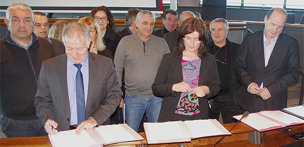 Simon Renucci, maire d'Ajaccio, Nathalie Carlotti, présidente de la CCI  et François Gabrielli, président de la chambre de métiers