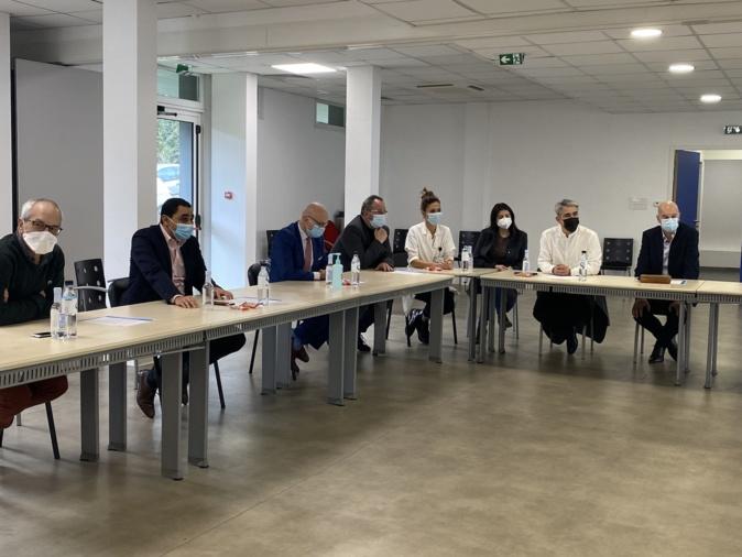 Bastia : des professeurs parisiens signent une convention avec l'hôpital pour soigner l'endométriose