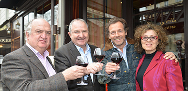 Jean-François Pescheux, directeur des épreuves d'Amaury Sport Organisation, Jean-Marc Venturi, Président du CIV Corse, Stéphane Freiss et Mireille Dumas (Photo Philipe Bidaine)