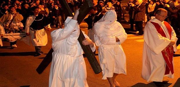 Foule à Calvi pour la procession di A Granitula