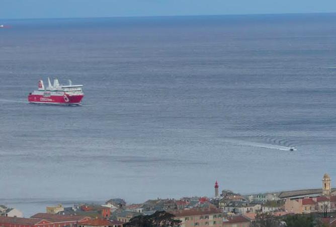 """Le """"Paglia Orba"""" le 25 janvier dernier à l'entrée du port de Bastia  (Photo Marijo Costa)"""