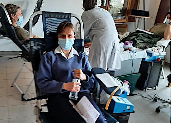 Hélène, une habituée du don du sang depuis plus de 5 ans