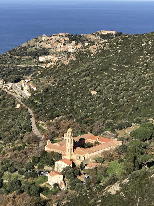La photo du jour :  le couvent de Corbara dans son écrin