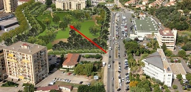 Le futur bassin de rétention sera implanté dans le secteur des Padules et s'étendra au quartier des Cannes. D'un volume de 40 000 mètres cube, cet ouvrage permettra de réduire les innondations et offrira aux riverains des espaces de promenade boisés au cœur d'un secteur urbain très fréquenté. (Document de simulation DR)