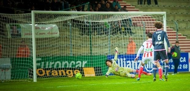 En grande difficulté face à Toulouse, à l'image d'Ochoa, la défense ajaccienne n'aura pas le droit à l'erreur dans un match très important au Stade Bonnal, où sont déjà tombées quelques têtes (Photo Paule Santoni)