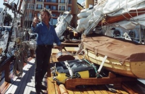 """Jacky Salin, bien connu à Ajaccio, était le propriétaire du voilier de promenade """"A tout vent d'Eux"""", qui a été ravagé par les flammes jeudi soir dans le port d'Ajaccio. Cet accident lui a pris à la fois son logement et son outil de travail. (Photo DR)"""
