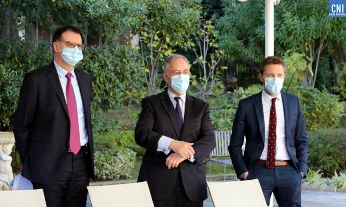 Pierre Larrey, secrétaire général de la préfecture de Corse-du-Sud, Michel Tournaire, coordonnateur pour la sécurité et François Chazot, directeur de cabinet. Photo : Michel Luccioni.