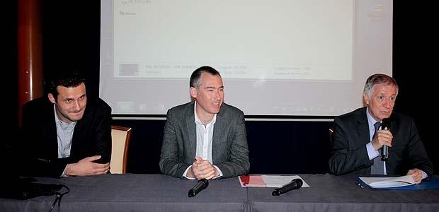 Le Président de la CAPA Simon Renucci, le scientifique et réalisateur Gaël Derive ainsi que le chargé de mission Plan Climat Energie Territorial de la CAPA Jérémy Visconti, étaient présents au Palais des Congrès pour rappeler l'importance de la préservation de l'environnement. (Photo Yannis-Christophe Garcia)