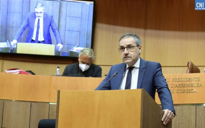 Jean-Guy Talamoni : «  je demande solennellement au préfet qu'il franchisse une fois pour toutes les limites de notre pays »