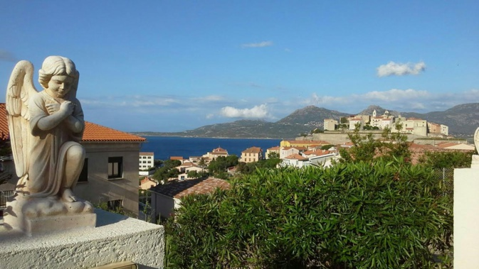 La photo du jour : la citadelle de Calvi entre ciel et mer