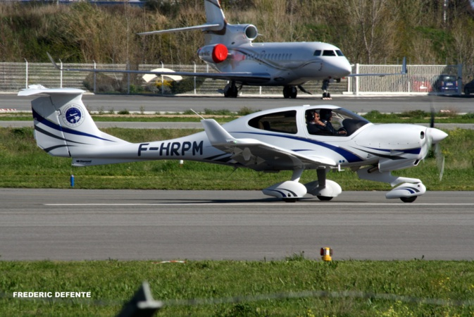 C'est un avion semblable à celui-ci qui a été contraint d'amerrir suite à ,une panne moteur