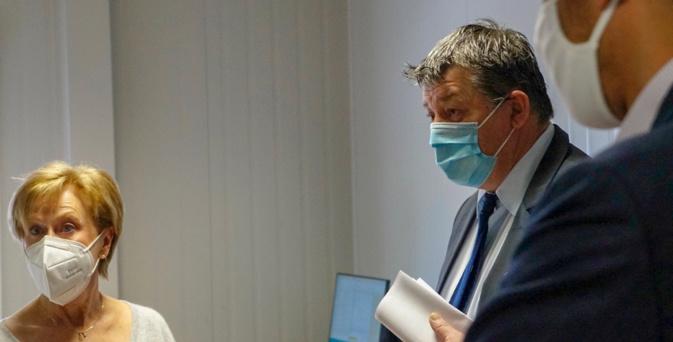 Le Préfet de Haute-Corse rend visite au personnel médical sur le pont