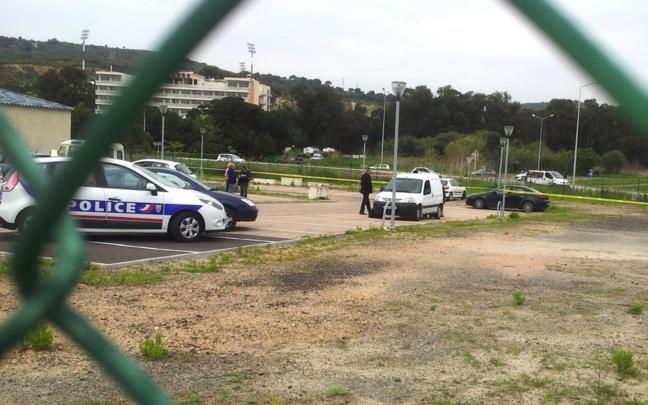 Le parking de l'institut de formation d'Ajaccio où les policiers procèdent aux premières investigations