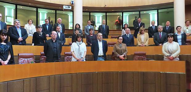 Les élus territoriaux observent 1 minute de silence après l'assassinat de Jean-Luc Chiappini