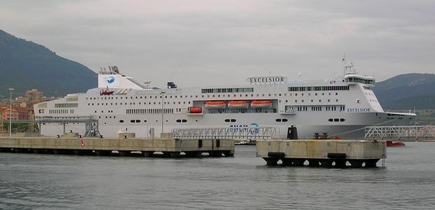 L'Excelsior de la SNCM a accosté dans le port d'Ajaccio jeudi pour son voyage inaugural en Corse. Le navire remplacera temporairement le Napoléon Bonaparte sur les liaisons entre Marseille et la cité impériale. (Photo Yannis-Christophe Garcia)