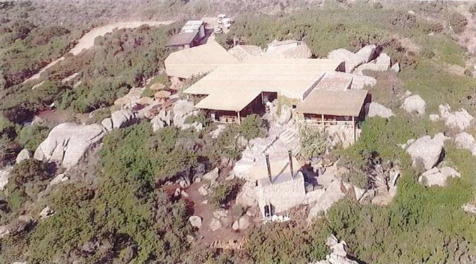 U Levante remet en cause la construction du restaurant La Ferme sur l'Île de Cavallo.