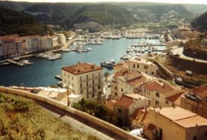 Bunifaziu, au coeur de la spéculation immobilière et foncière dans l'Extrême-Sud de la Corse.