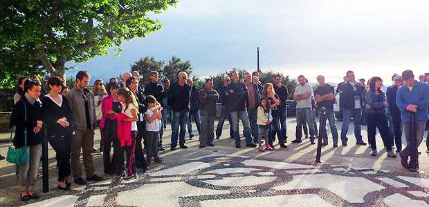 Plus d'une centaine de personnes, vendredi soir, sur la place de l'église de Farinole pour soutenir Jean-Luc De Marco