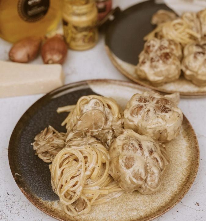 A table : Paupiettes de veau, sauce moutarde forestière et linguine avec... la Petite Cuisine de Marie