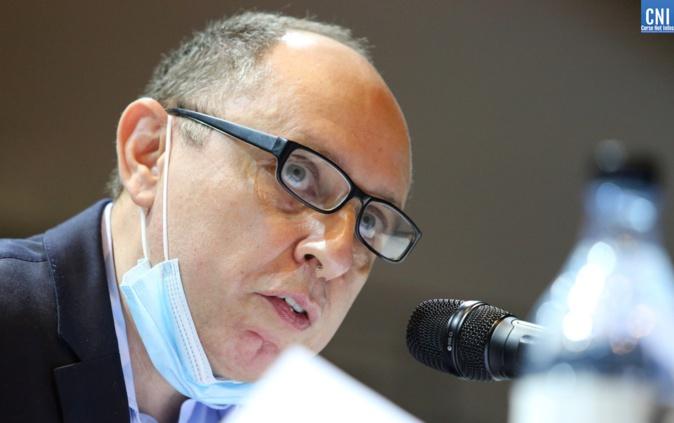 Jean-André Miniconi s'interroge sur la durée des contrats de concessions immobilières conclus au profit d'établissements de plage route des sanguinaires. Photo : Michel Luccioni