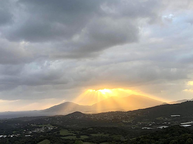 La photo du jour : derniers rayons de soleil sur Ajaccio