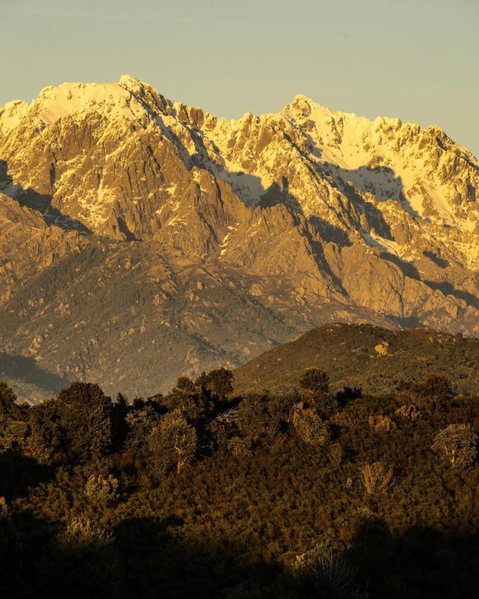 Vu depuis la plaine de Peri (M. Saliou)