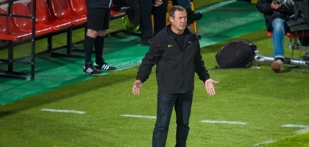 Face à Nice, Albert Emon a dirigé son dernier match à la tête de l'équipe Ajaccienne, Dimanche dernier. Un départ et des regrets pour l'ancien entraîneur de l'OM. (Ritrattu : Paule Santoni)