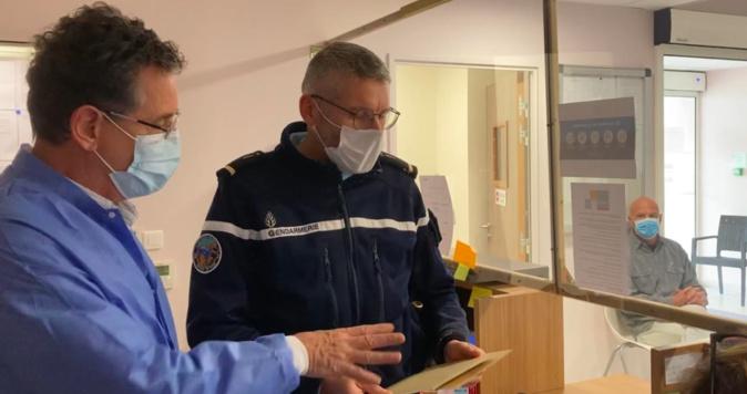 Covid-19 : A Piana les gendarmes se mobilisent pour faciliter la vaccination des seniors
