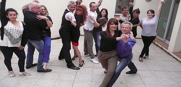 U Bachateru é U passu latinu nant'u passu di un tango argentinu
