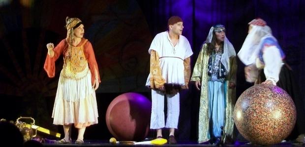 """Dans """"Aladinu Mille è una notte"""", une adaptation du conte les """"Mille et unes nuits"""", le jeune public pourra découvrir un jeune garçon corse qui évolue dans l'univers magique du conte oriental. (Photo : DR)"""