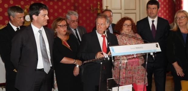 C'est au cours de la cérémonie de réception qui s'est déroulée mardi après-midi à la mairie d'Ajaccio, que le maire d'Ajaccio Simon Renucci s'est adressé au ministre de l'intérieur Manuel Valls. (Photo : Marilyne Santi)
