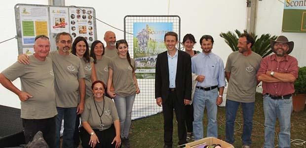 Les organisateurs et les bénévoles, Alexandre Sarrola Maire de Sarrola, Stéphane Paquet Président de la Chambre d'Agriculture de la Corse-du-Sud (Photo Marilyne SANTI)
