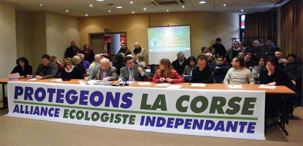 Jean-François Baccarelli (au centre) : guerre ouverte à la violence et à la drogue