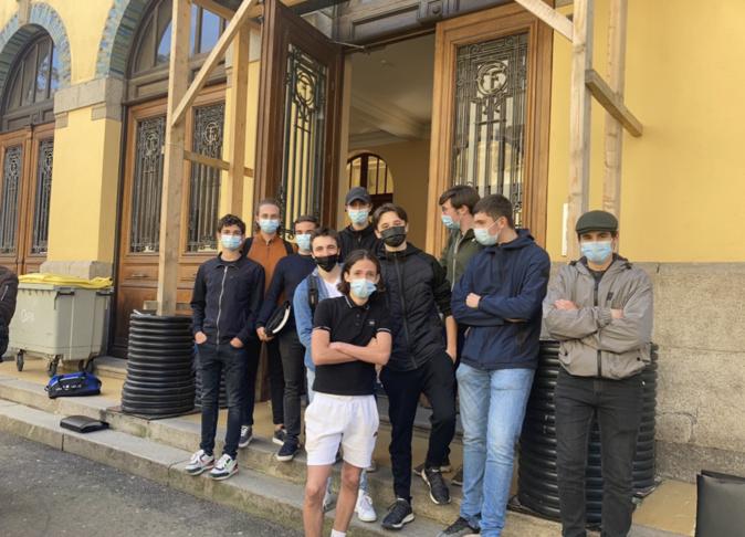 Ajaccio : des lycéens bloquent le Fesch pour demander la validation du bac en contrôle continu