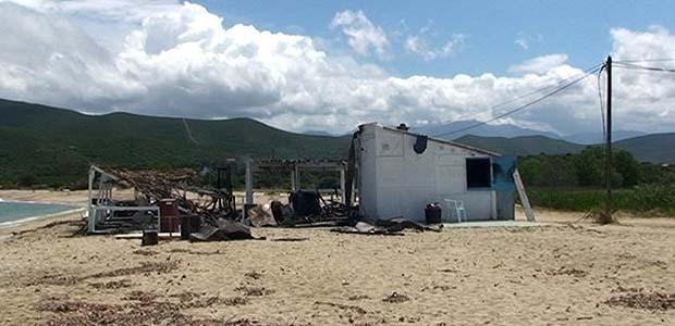 Une paillote détruite par un incendie à Lozari