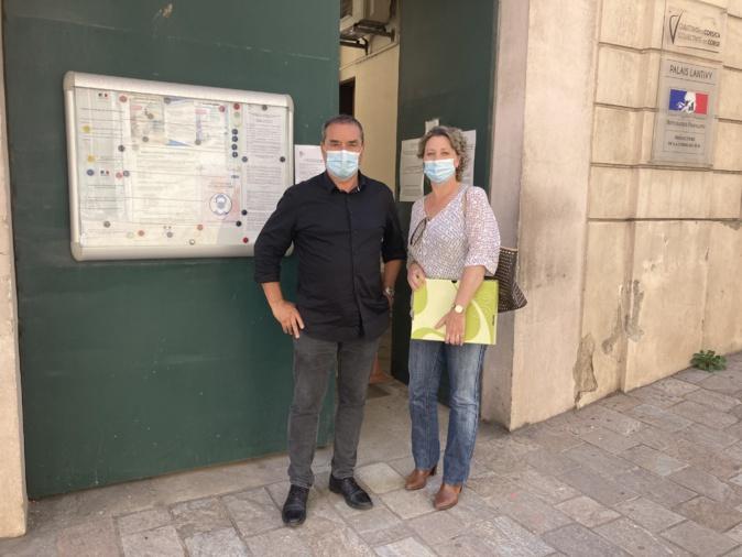 François Filoni et Nathaly Antona ont déposé leur liste pour les élections territoriales à la préfecture ce lundi 10 mai. Photo : Julia Sereni