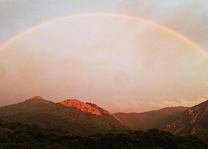 Coucher de soleil pluvieux vu depuis Babbantone à Cavru (Anthony Valery)
