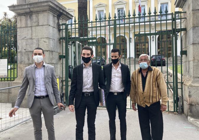 Jean-Antoine Giacomi et ses soutiens à Ajaccio le 14 mai dernier, jour du dépôt de sa liste en préfecture