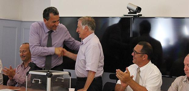 Simon Renucci a été élu 1er vice-président du Syvadec : François Tatti le félicite