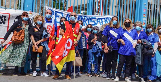 """""""Oubliés et mésestimés par l'Etat"""", les techniciens de laboratoire étaient en grève à Bastia"""