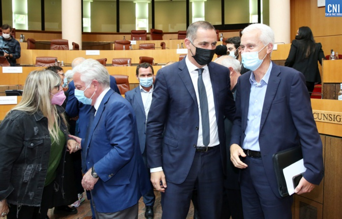 Jean-Louis Delpoux (à droite) avec Gilles Simeoni et Camille de Rocca Serra (à gauche). Photo Michel Luccioni.