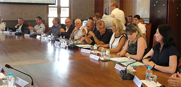 """CCI de la Haute-Corse """" Un message clair et ferme"""" aux syndicats de la SNCM"""