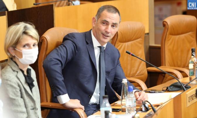 Gilles Simeoni, président du Conseil exécutif de la Collectivité de Corse, à côté de Nanette Maupertuis, conseillère exécutive et présidente de l'Agence du tourisme. Photo Michel Luccioni.