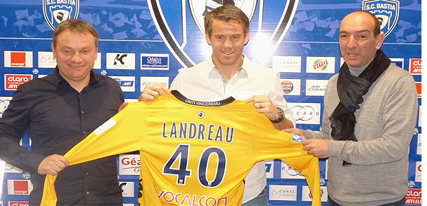 Landreau continue au Sporting